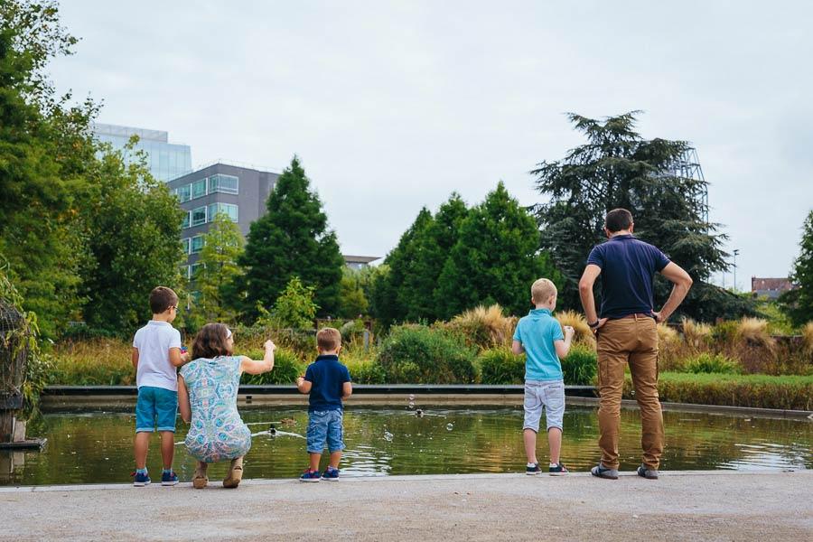 S ance photo en famille au jardin des g ants r mi pailleux for Au jardin de la famille de fabreville